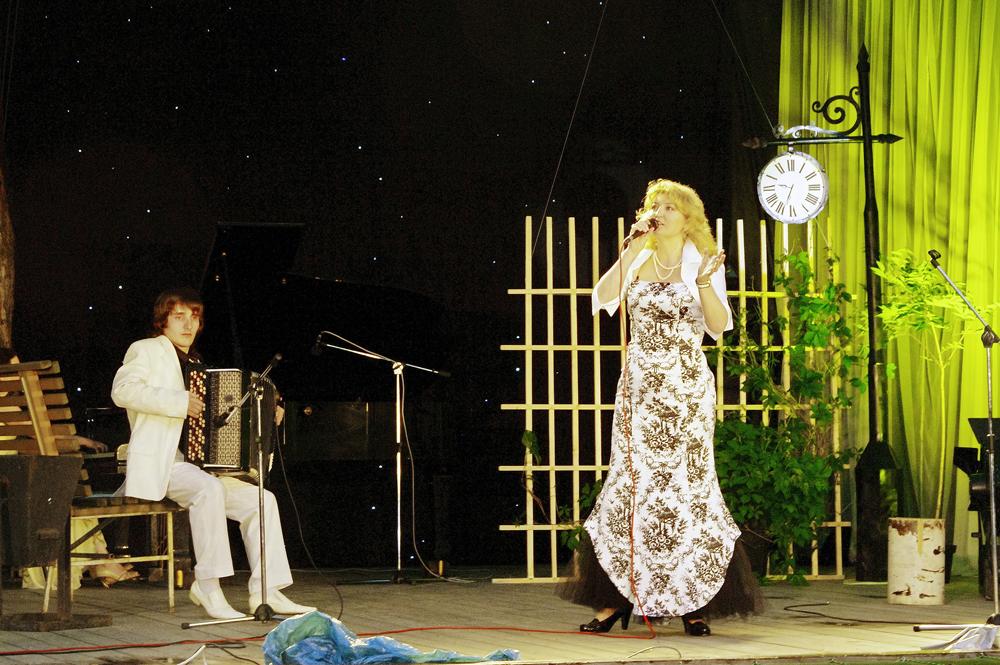 http://www.makarskaya.ru/foto/k_09.jpg